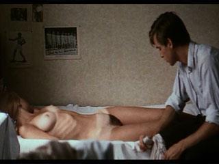 Сиськи порно женщина гипнотизер видео домашнее порно резиновой